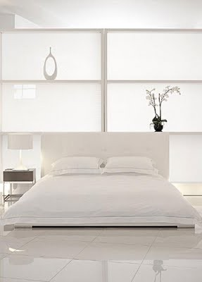 162010-03-white-bedroom-with-luxury-furn