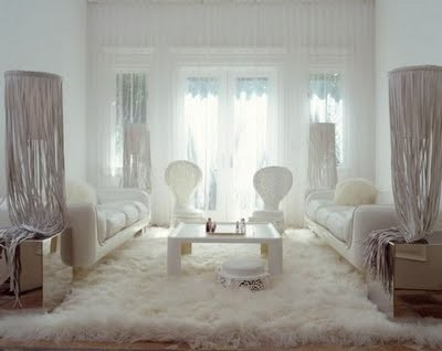 white-sofas-above-woolly-mat-in-minimali