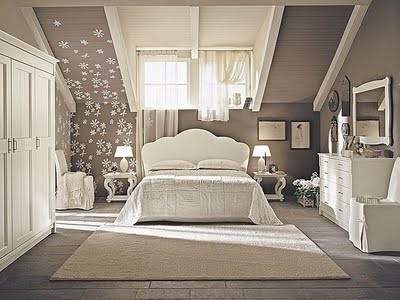 classic-double-bed-149122_brown+bedroom.
