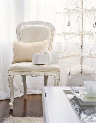 white-chair-de.jpg