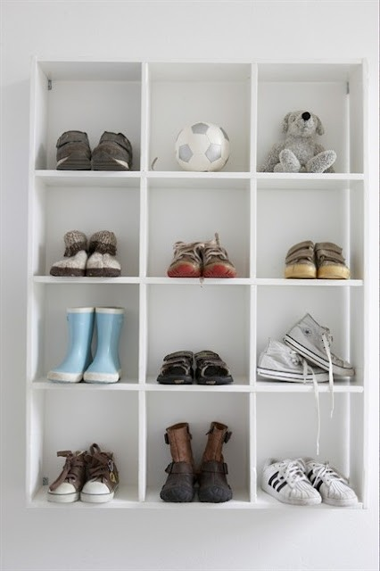 8childrens-room-wall-hung-shoe-tidy-405.