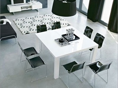 dining-table-decorations-with-black-and-