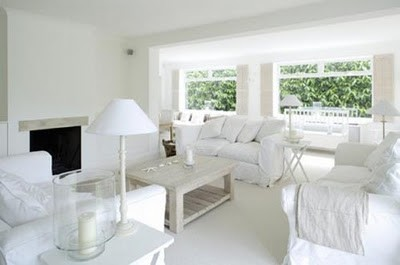 1-white-living-room-design-of-new-englan