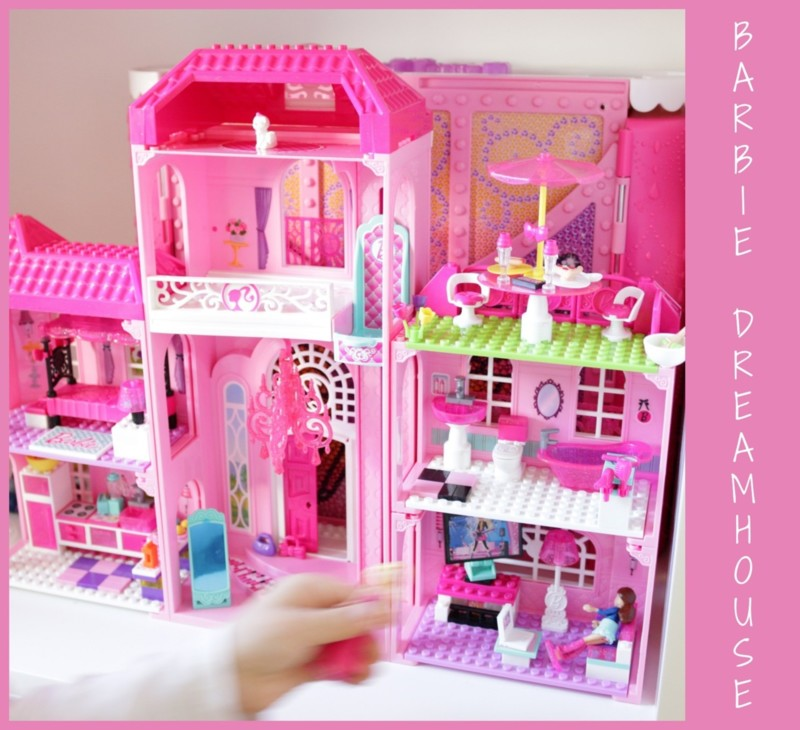 BARBIEDREAMHOUSELEGO.jpg