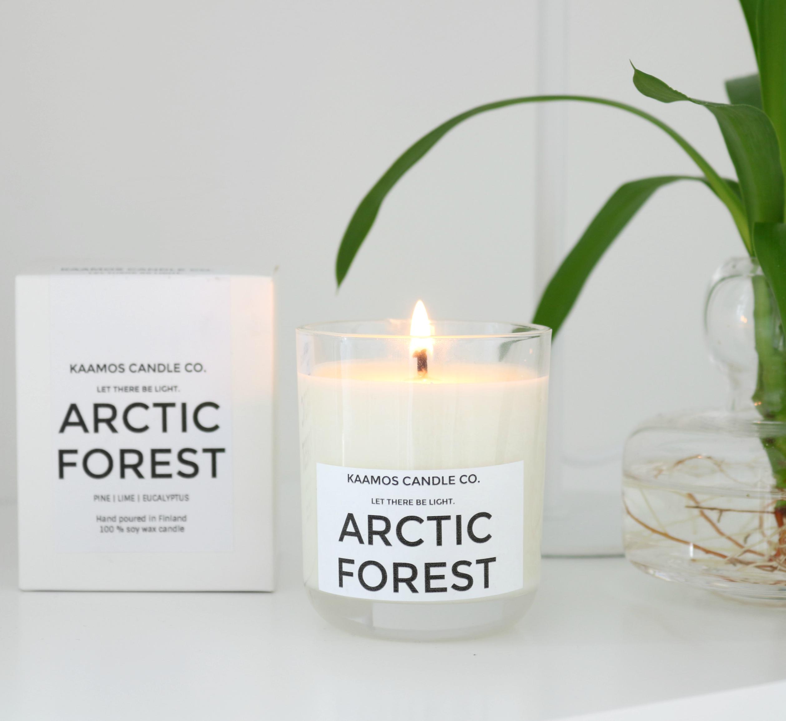 Kaamos Candle Company Arctic Forest tuoksukynttilä Omakotivalkoinen